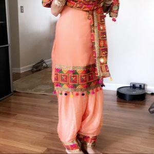 Phulkari punjabi peach suit, brand new condition